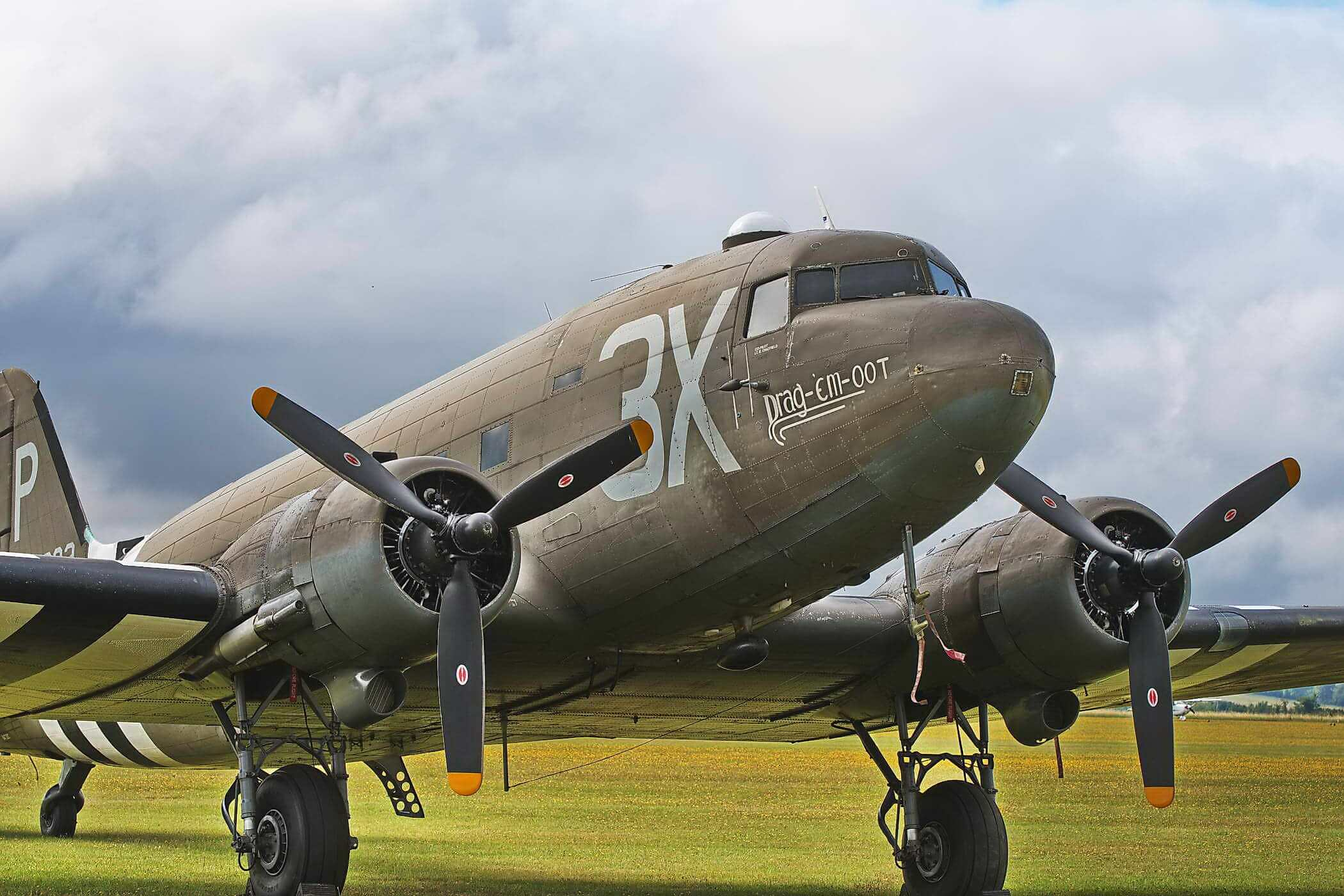 Douglas DC-3  (C-47 Skytrain / Dakota (N473DC)