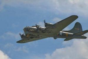 Flying Fortress G-BEDF Sally B