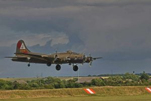 """Flying Fortress B-17G-85, 44-8846 """"Pink Lady"""""""