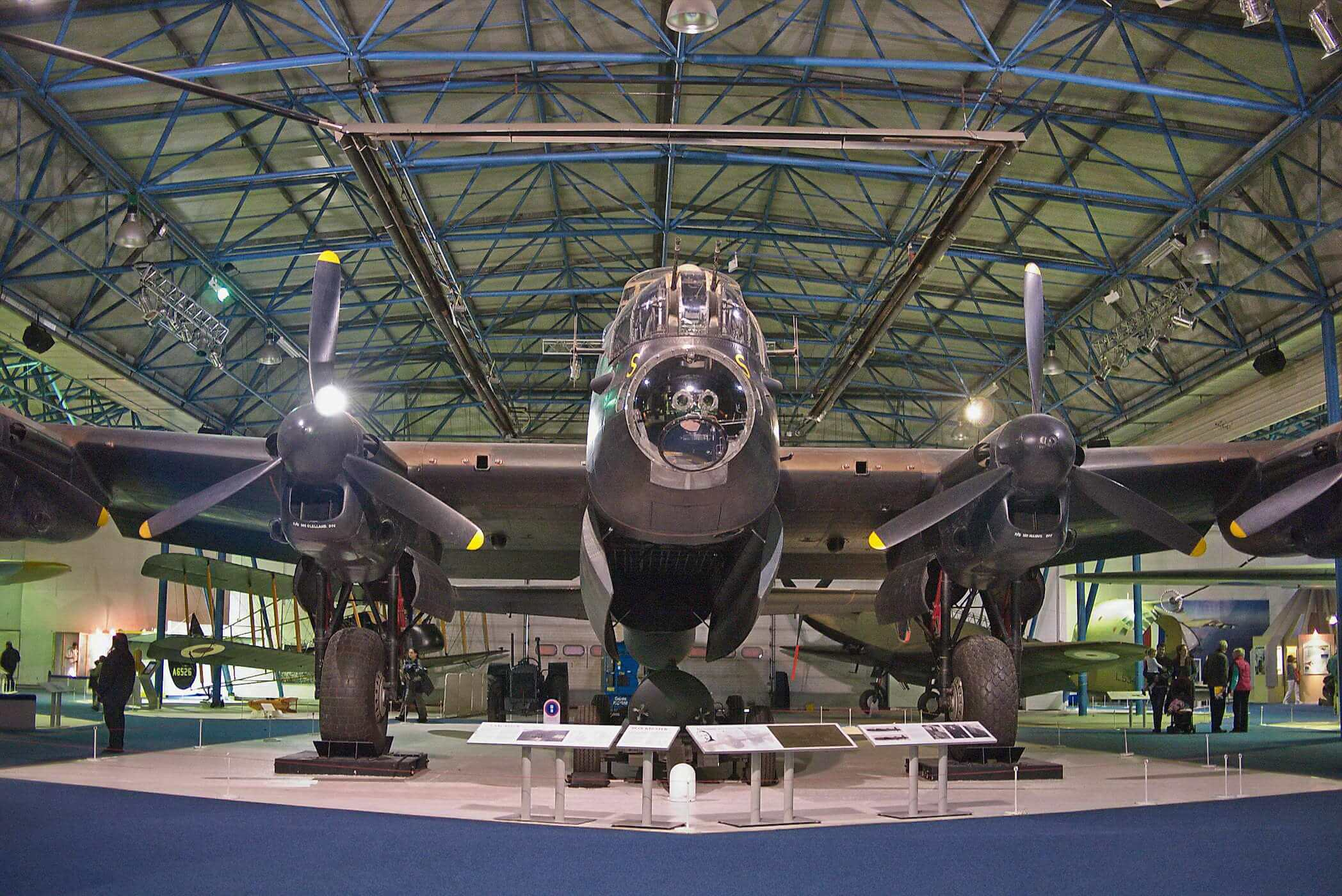Avro Lancaster B.Mk.1 R5868-7325M