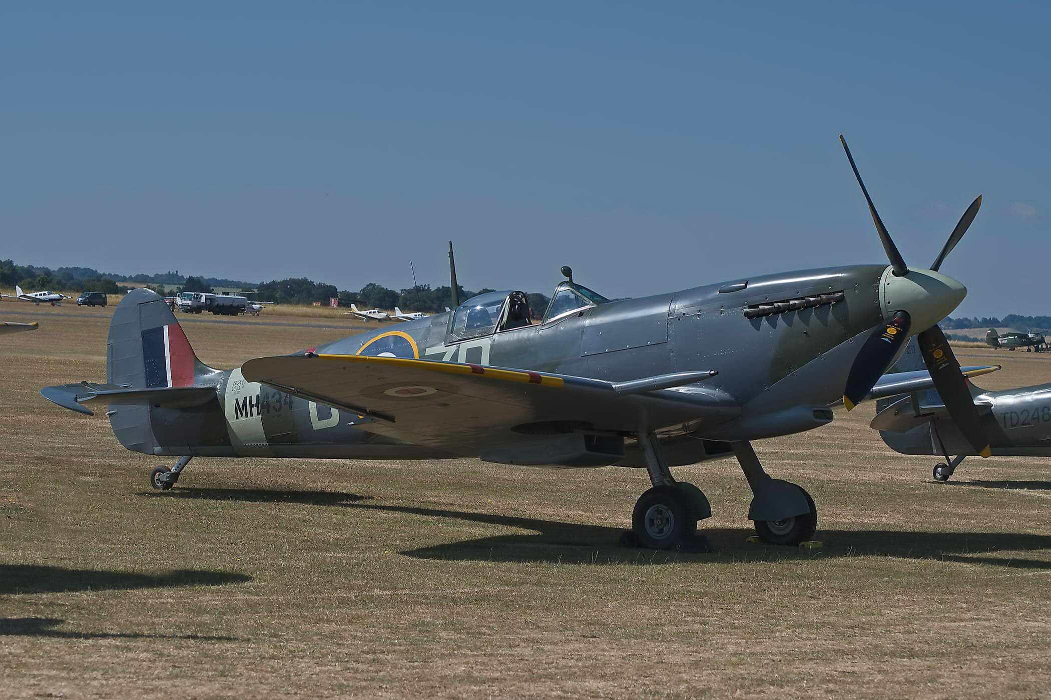 Spitfire F IX MH434