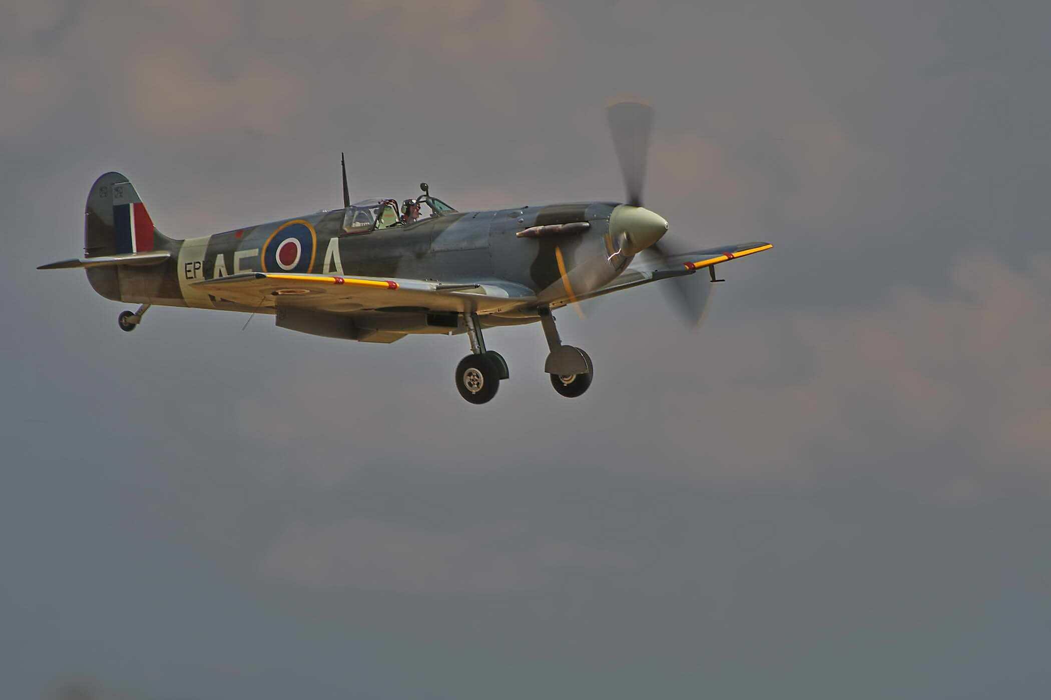 Spitfire F VB EP120
