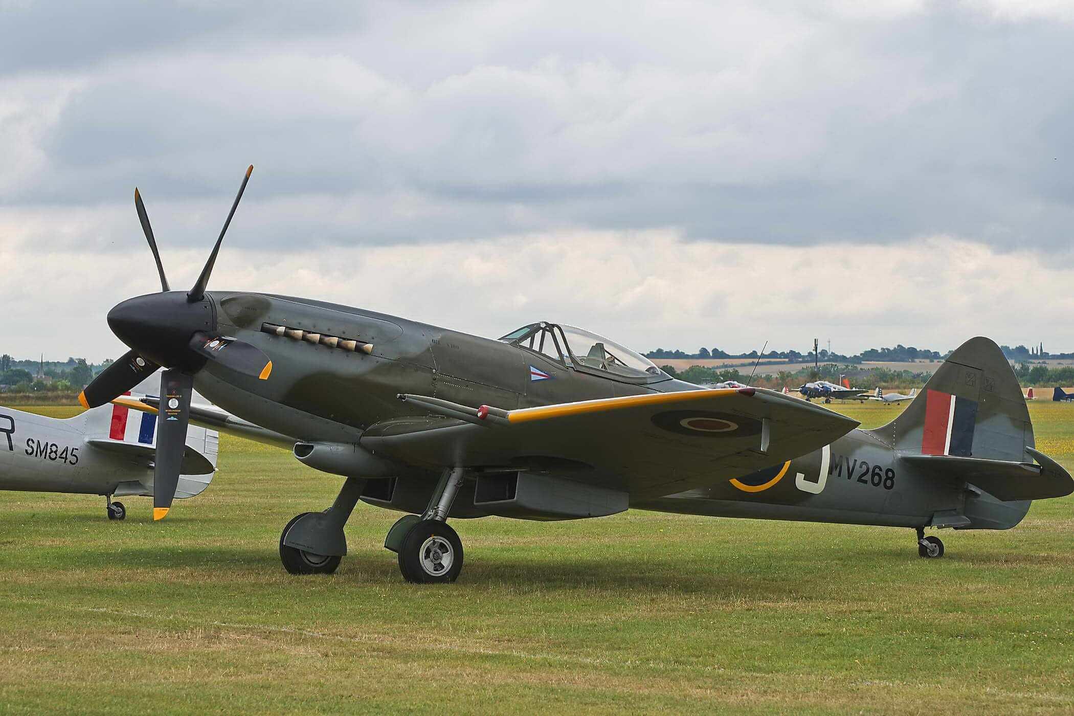 Spitfire FR XIVE Mv293