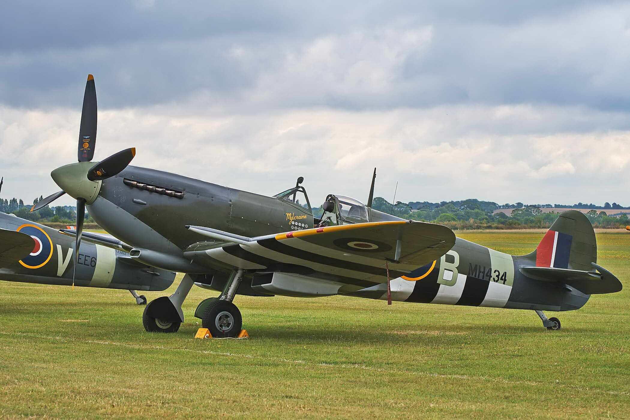 Spitfire LF IX MH434