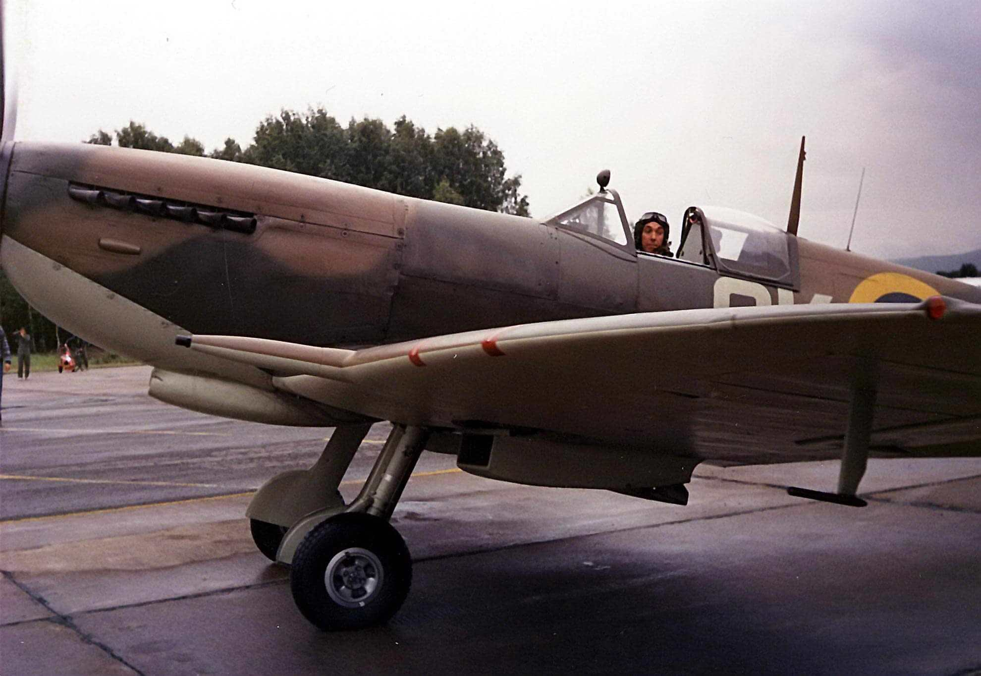 Spitfire LF IXC MH434_7