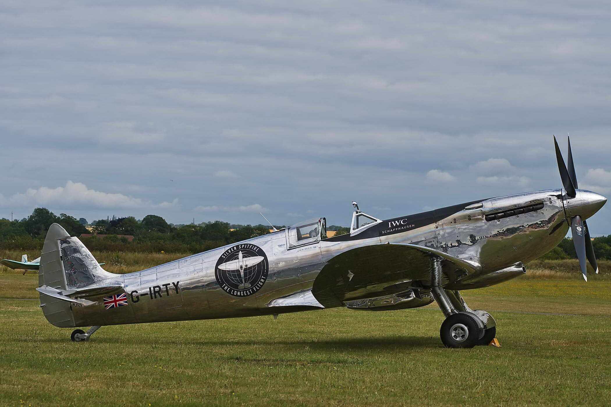 Spitfire Mk.IX MJ271 -The Silver Spitfire-