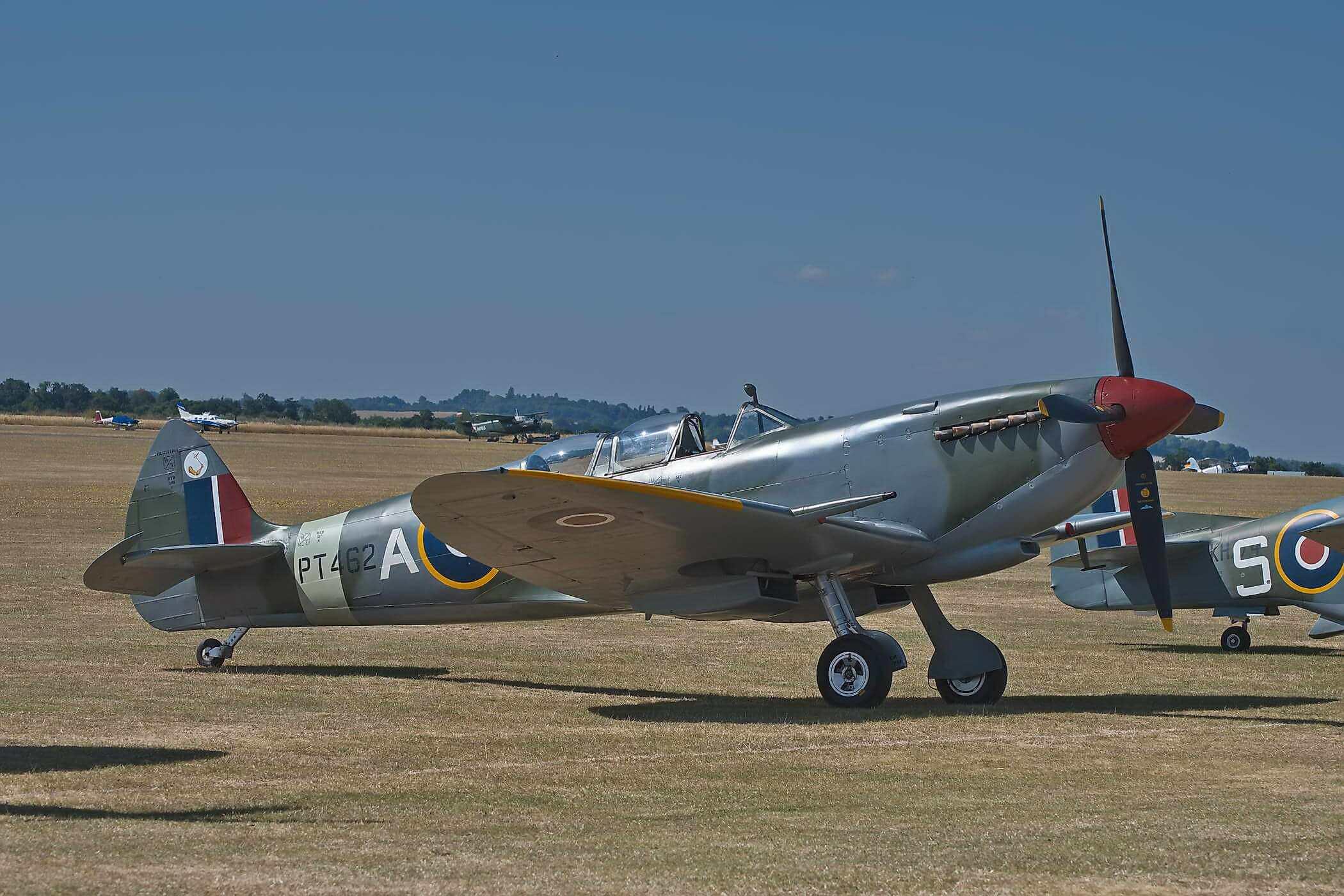 Spitfire TR 9 PT462