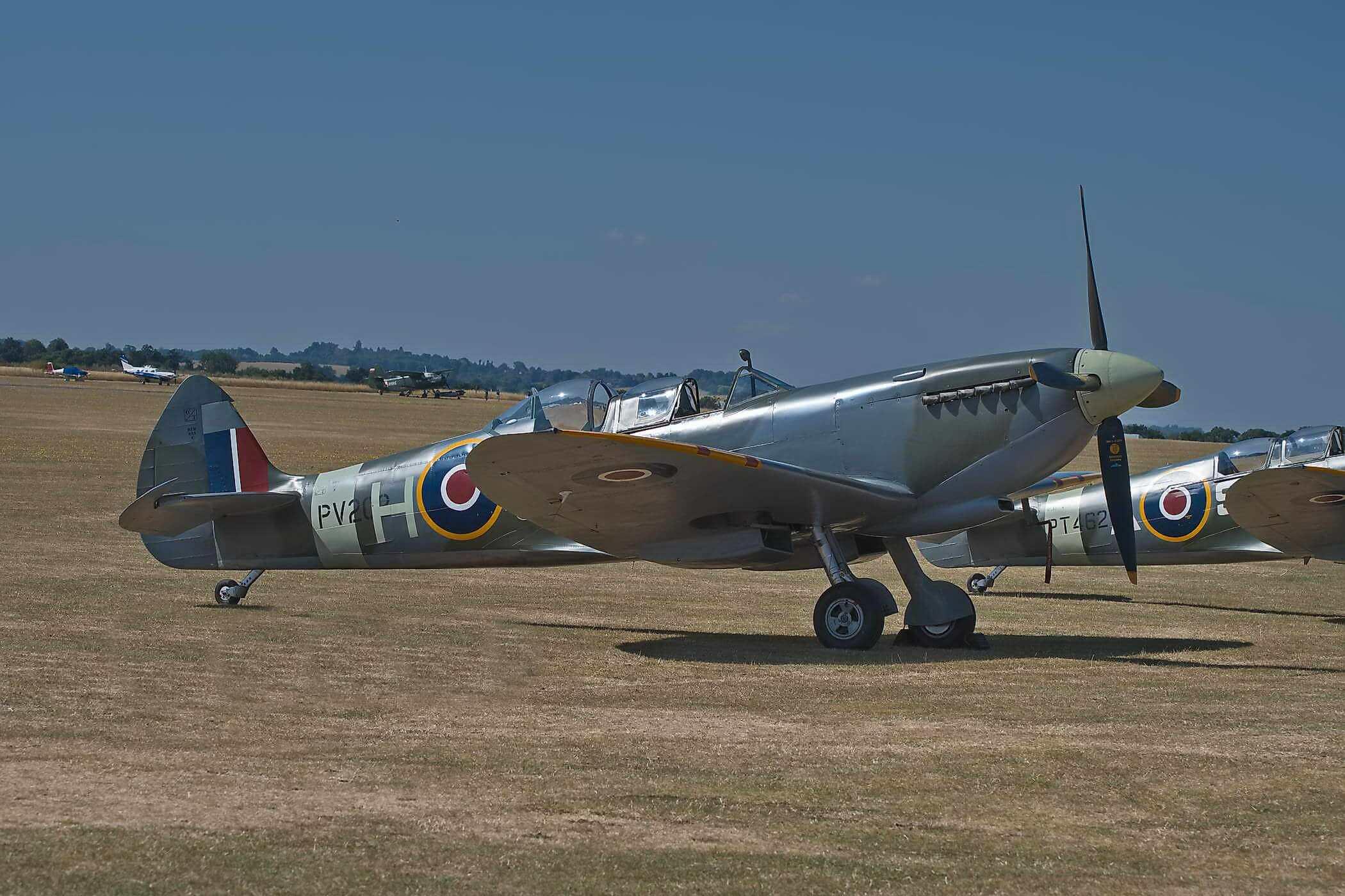 Spitfire TR 9 PV202